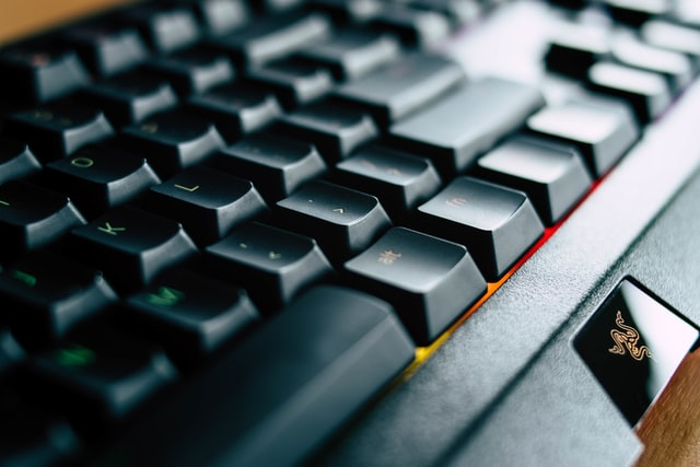 najlepsze klawiatury gamingowe do 500 zł