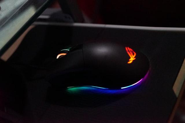 najlepsze myszki gamingowe do 700 zł